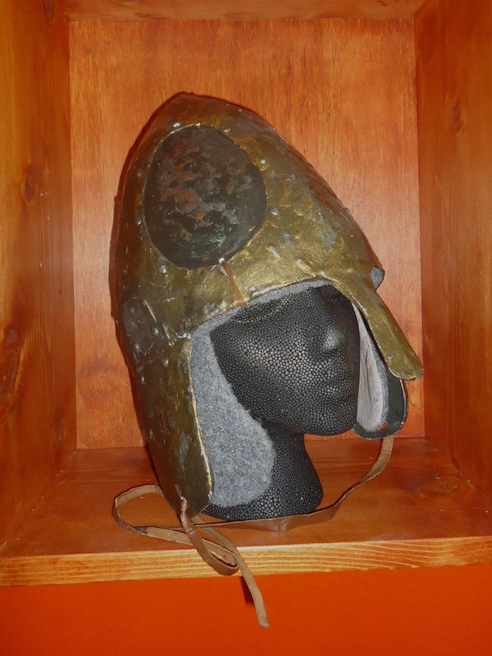 studio_helmet