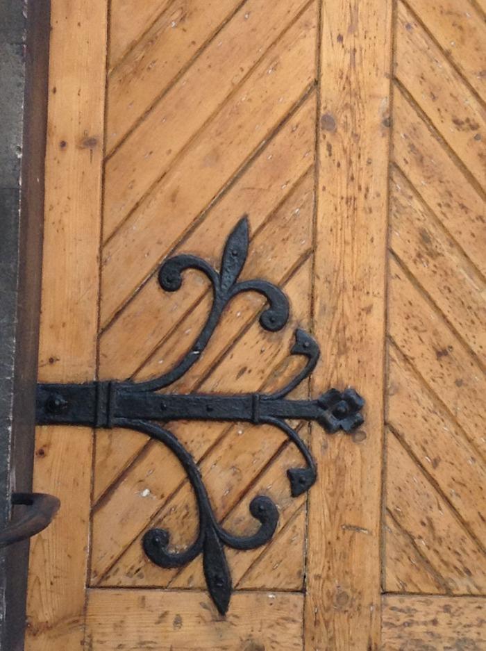 dublin_door_floralhinge