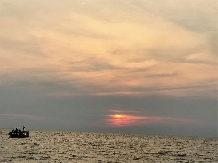 sunset02-boat